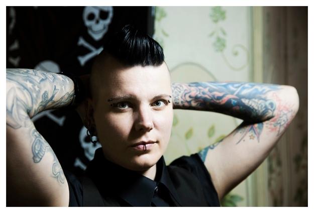 Manoo Stich, Tattoo Artist